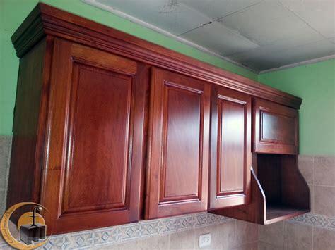 cocina de madera cedro modulo aereo  mueble