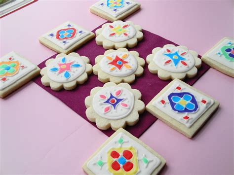 Cookies Decorated - cumin and cardamom rangoli decorated sugar cookies