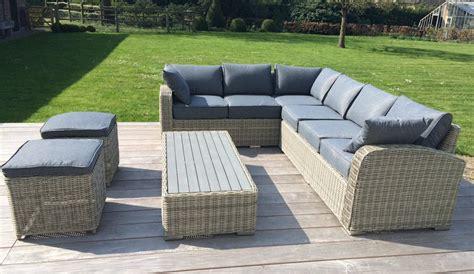meuble patio rotin positionnement en osier de sofa de salon de rotin