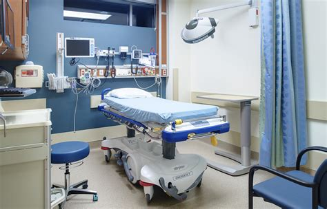 Mercy Center Emergency Room by Aeccafe Archshowcase