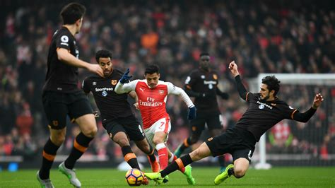 arsenal city arsenal 2 0 hull city alexis at the double in