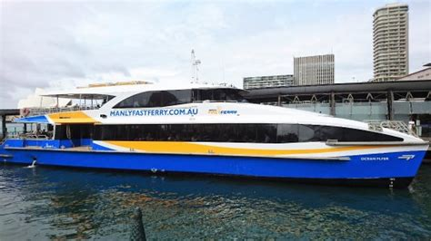 fast boat sydney on the way to manly via fast ferry 雪梨manly fast ferry的圖片