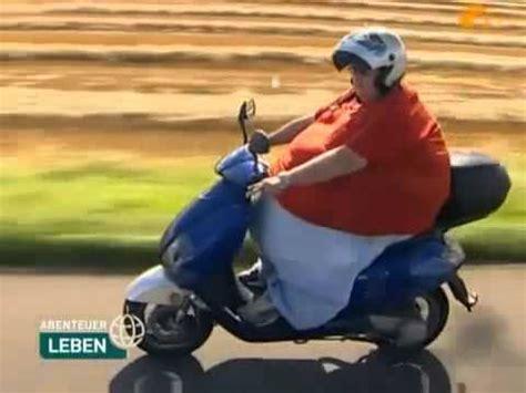 dicke frau f 228 hrt motorroller - Decke Klauen
