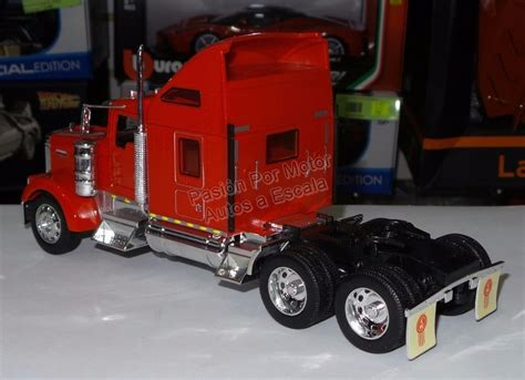 kenworth canadiense 1 32 kenworth w900 aerocab rojo canadiense welly c empaque