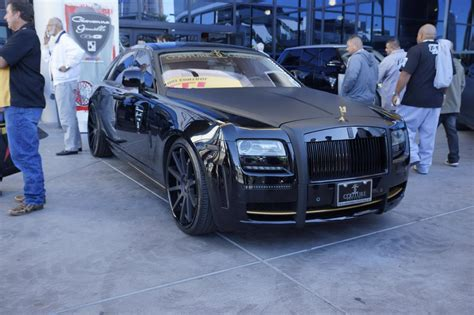 roll royce wraith black rolls royce phantom black 2013 sema
