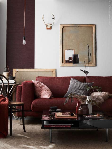 colour scheme for burgundy sofa 25 best ideas about burgundy on