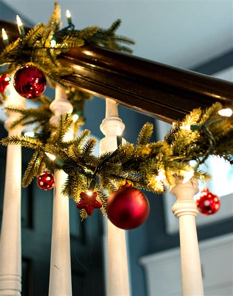 How To Decorate Garland by Decorating Garland With Ornaments