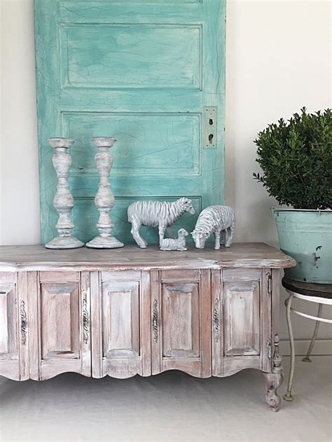 shabby chic mantle 25 best ideas about shabby chic mantle on shabby chic desk style cookbooks