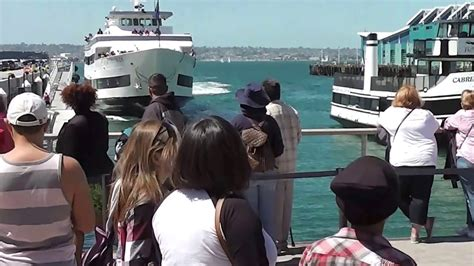 boat crash in san diego whale watching boat crashing into san diego dock youtube
