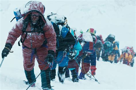 film everest note chilling and thrilling everest is worth the 3 d ticket