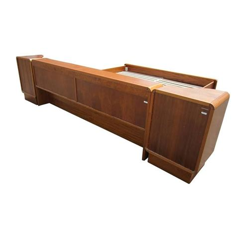Mid Century Platform Bed Vintage Mid Century Teak Platform Bed With Nightstands For Sale At 1stdibs