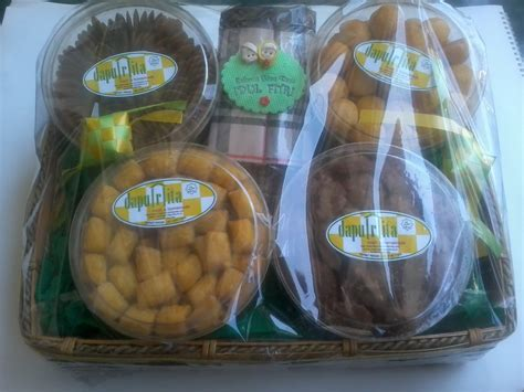 Parcel Kue Coklat Murah parcel lebaran dapu r ita