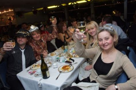 thames river cruise dinner and dance thames dinner cruise for two 15 months voucher validity