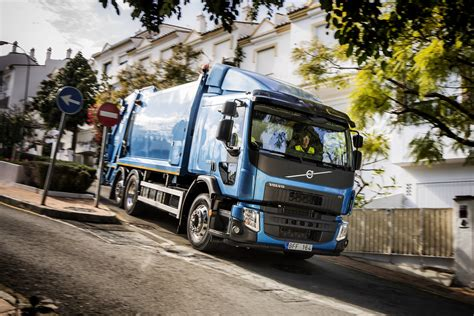 new truck volvo volvo trucks launches new fl and fe video autoevolution