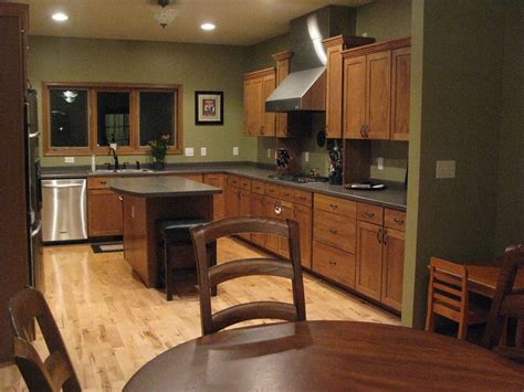 honey oak kitchen cabinets wall color honey oak kitchen cabinets with granite countertops