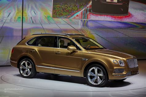 gold bentley wallpaper bentley bentayga 2016 hd wallpapers free