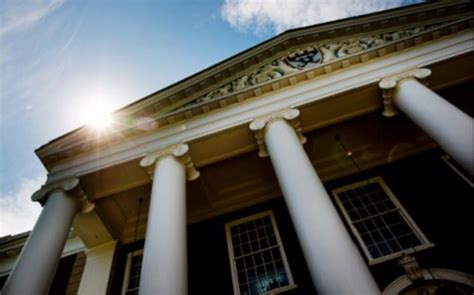 How To Get Into Cambridge Mba by How To Write The Mba Admissions Essay To Get You Into Harvard
