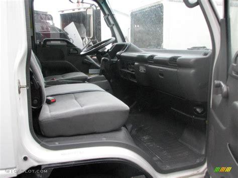 2004 isuzu n series truck npr refrigerated truck interior