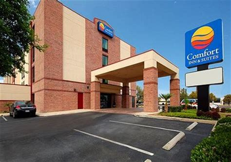 comfort inn and suites san antonio comfort inn and suites airport san antonio travelpony hotels
