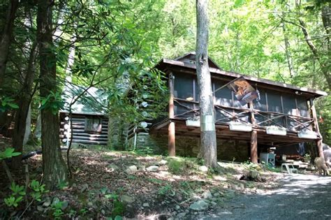Cabins In Poconos For Rent by Poconos Rentals Bushkill Pristine Waterfront Log Cabin