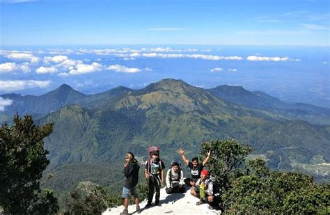 misteri gunung lawu gunung  mistis  indonesia