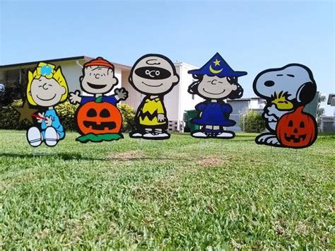 charlie brown gang outdoor peanuts sally brown snoopy linus decorations combo lawn