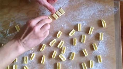 Handmade Pasta Shapes - how to make cuzzetielle handmade pasta shape