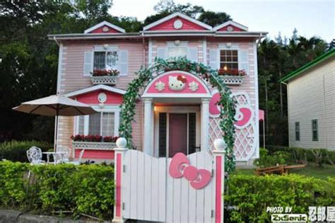 hello kitty mansion hello kitty theme park in japan hello kitty house for