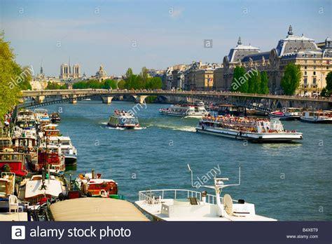 bateau mouche orsay bateaux stock photos bateaux stock images alamy