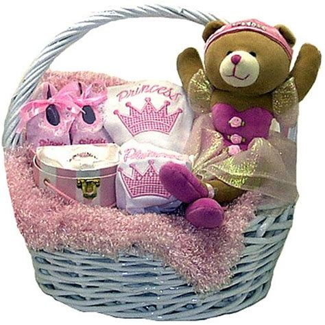 Basket For Baby Shower by Best 25 Baby Gift Baskets Ideas On Baby