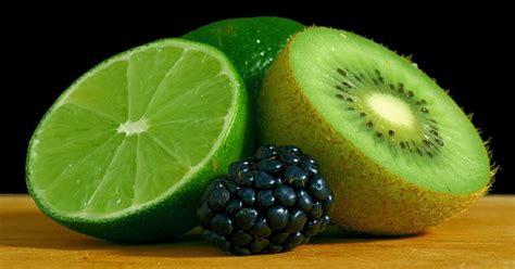 alimentazione trigliceridi alti trigliceridi alti cosa mangiare per abbassarli naturalmente