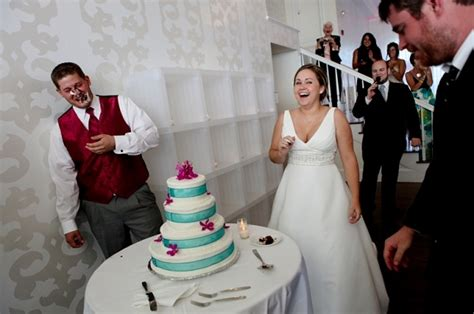 did these 21 wedding cake smashes go far