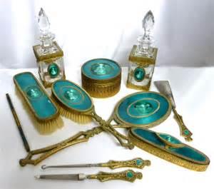 Nail Vanity Set Milady S Vanity Vanity Sets Manicure Sets Dresser Sets