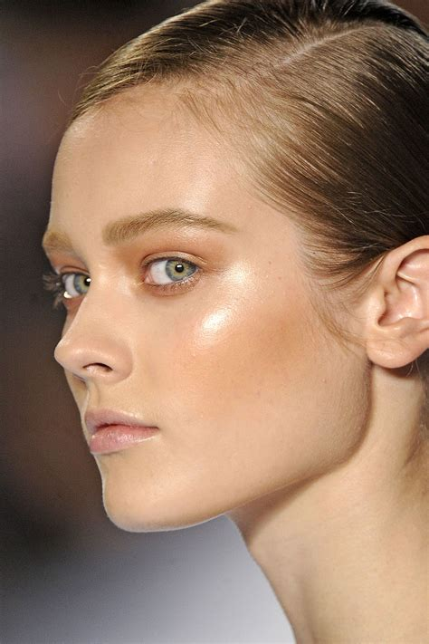 model makeup runway makeup looks and tips marie claire chlo 233 spring 2011 mfd multiple fashion disorder
