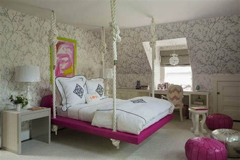 two hanging beds that take comfort to a new level bed hanging from chains www pixshark com images