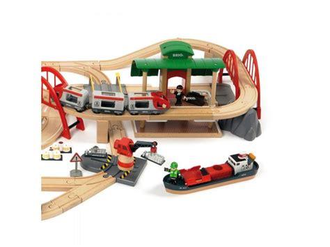 brio train set toys r us brio deluxe railway train set 33052 table mountain toys