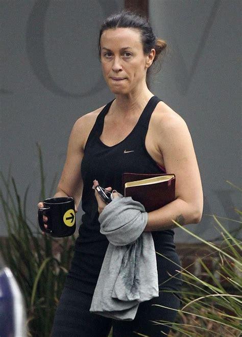 alanis morissette leaving  gym  brentwood