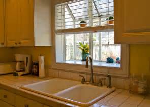 Good Window Treatments For Bay Windows In Kitchen Part   10: Good Window Treatments For Bay Windows In Kitchen Pictures Gallery