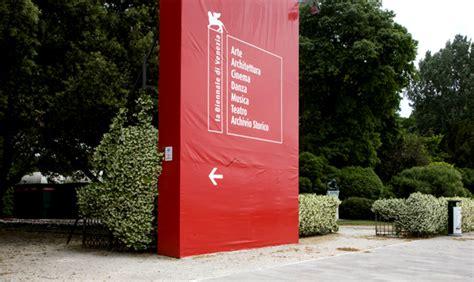 ingresso biennale venezia venezia itinerari contemporanei livingcorriere