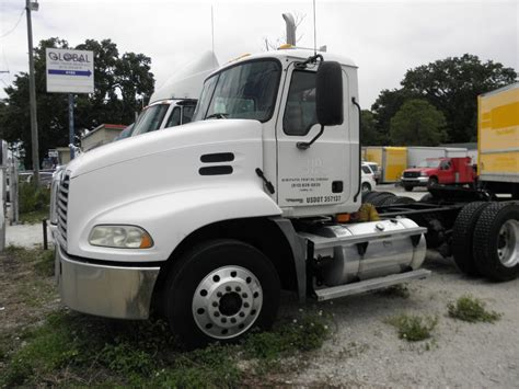 international trucks navistar ihc freightliner mack peterbilt kenworth gmc single axle