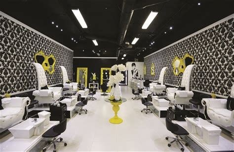 clients   royal treatment  laque nail bar