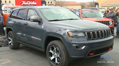 jeep grand cherokee trailhawk grey moab easter jeep safari 2016 jeep grand cherokee