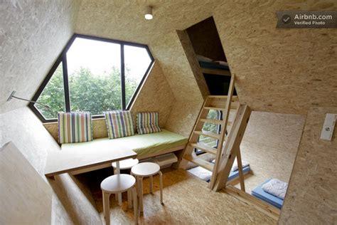 chambre cabane dans les arbres une cabane dans les arbres avec un int 233 rieur moderne