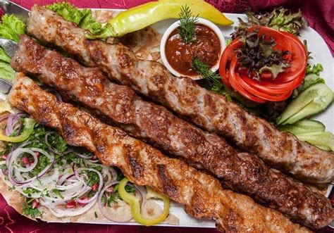 makanan tradisional iran  lezat  menggiurkan