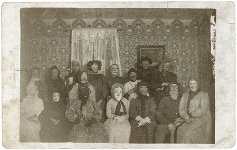 haunting vintage halloween photographs    vintage everyday