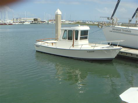 used pilot house boats shamrock pilot house 1986 for sale for 19 750 boats