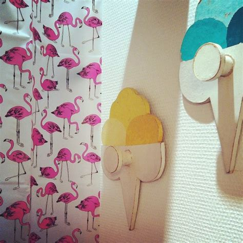 flamingos in bathroom 17 best images about palm springs flamingo bathroom on pinterest bathrooms decor