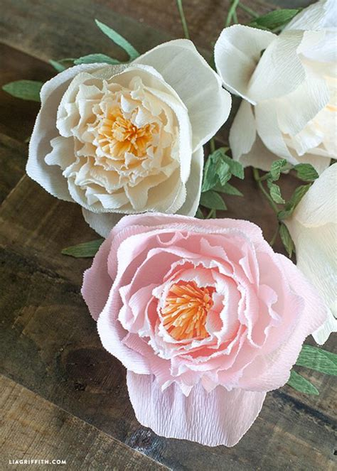 Flowers Out Of Crepe Paper - diy crepe paper peonies paper peonies crepe paper and peony
