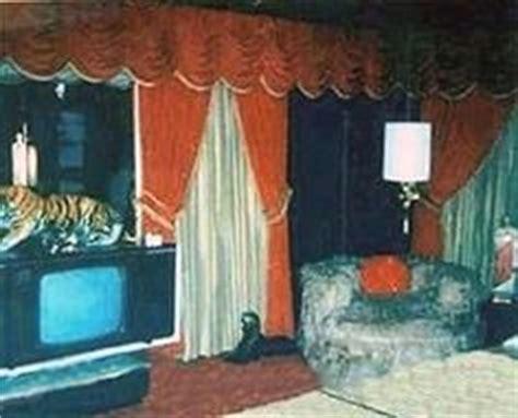 inside elvis bedroom graceland on pinterest elvis presley mansions and meditation garden