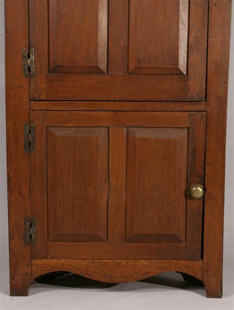 The Cupboard Tn Lot 294a East Tn Walnut Corner Cupboard